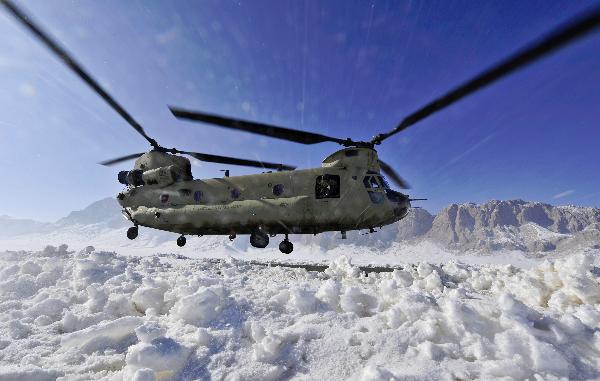 Chinook landing in Shah Joy (DOD, US Navy Jon Rssmssen)